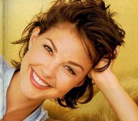 Ashley Judd with braces